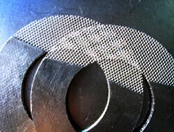 Металл тормен күшейтілген графит тығыздағышы
